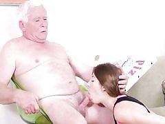 Old sloppy dude gets his spear in nubile vagina